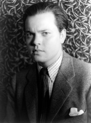 https://upload.wikimedia.org/wikipedia/commons/f/ff/Orson_Welles_1937.jpg
